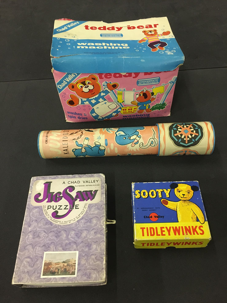 Chad Valley items including jigsaw puzzle and Sooty Tidleywinks