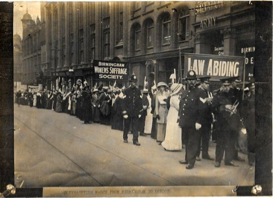Suffragists%20march%20in%20brum